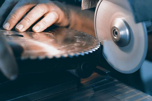 How To Sharpen A Miter Saw Blade